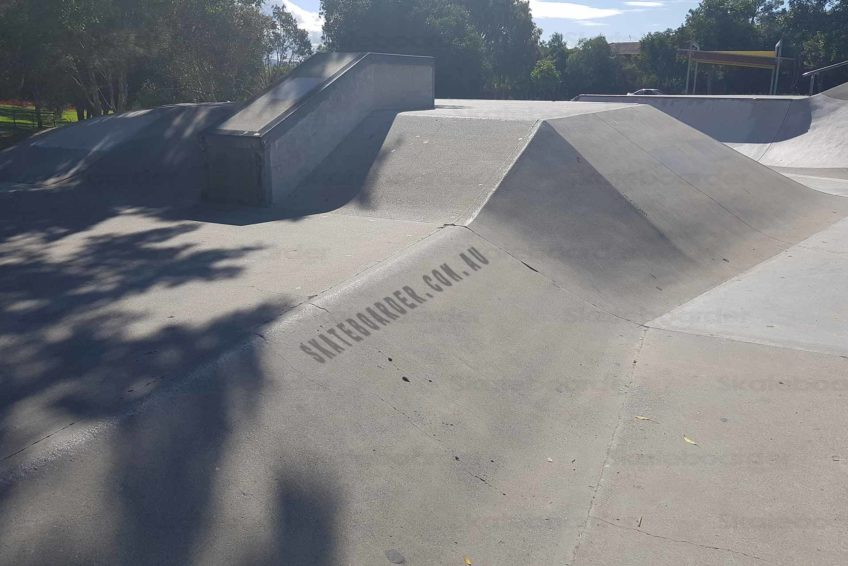 Hubba and half pipe
