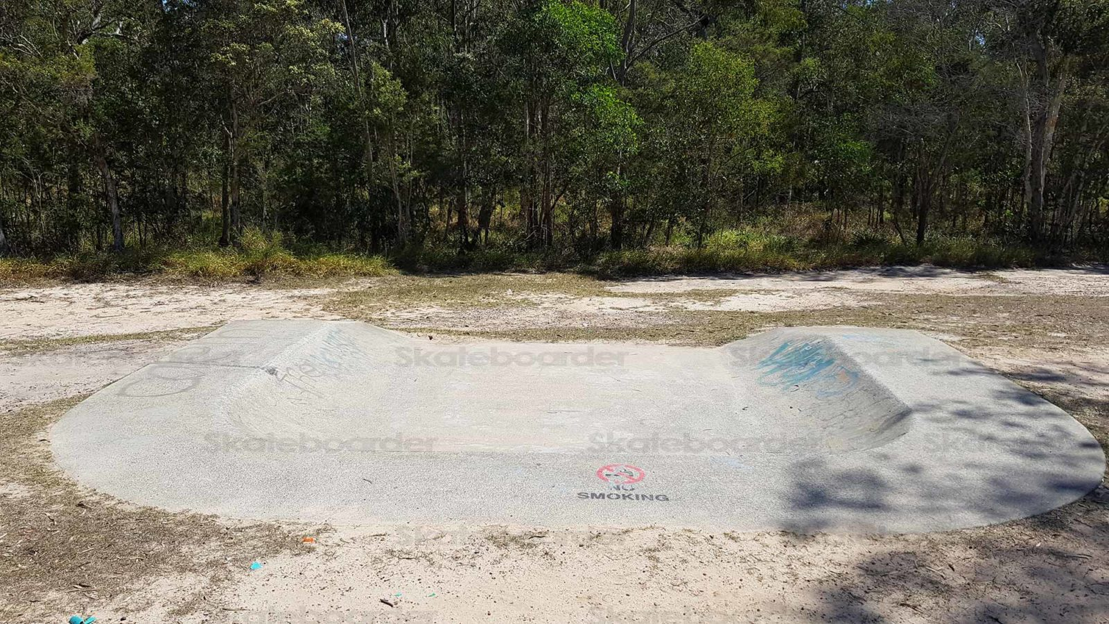 Overview of Crestmead Skate Bowl