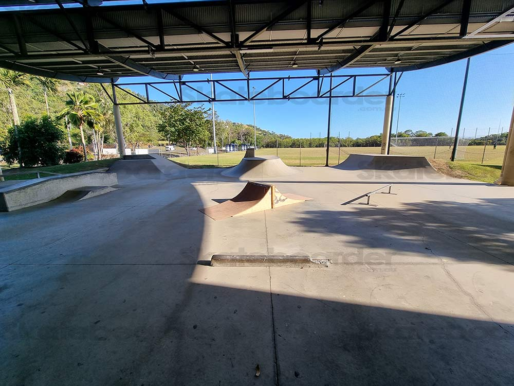 Halfpipe, transitions and moveable street elements